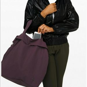 Lululemon On My Level Bag - Large
